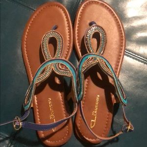 Women's size 10 Chinese Laundry sandals NEVER WORN